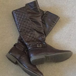 Shoes - Deep brown quilted riding boots